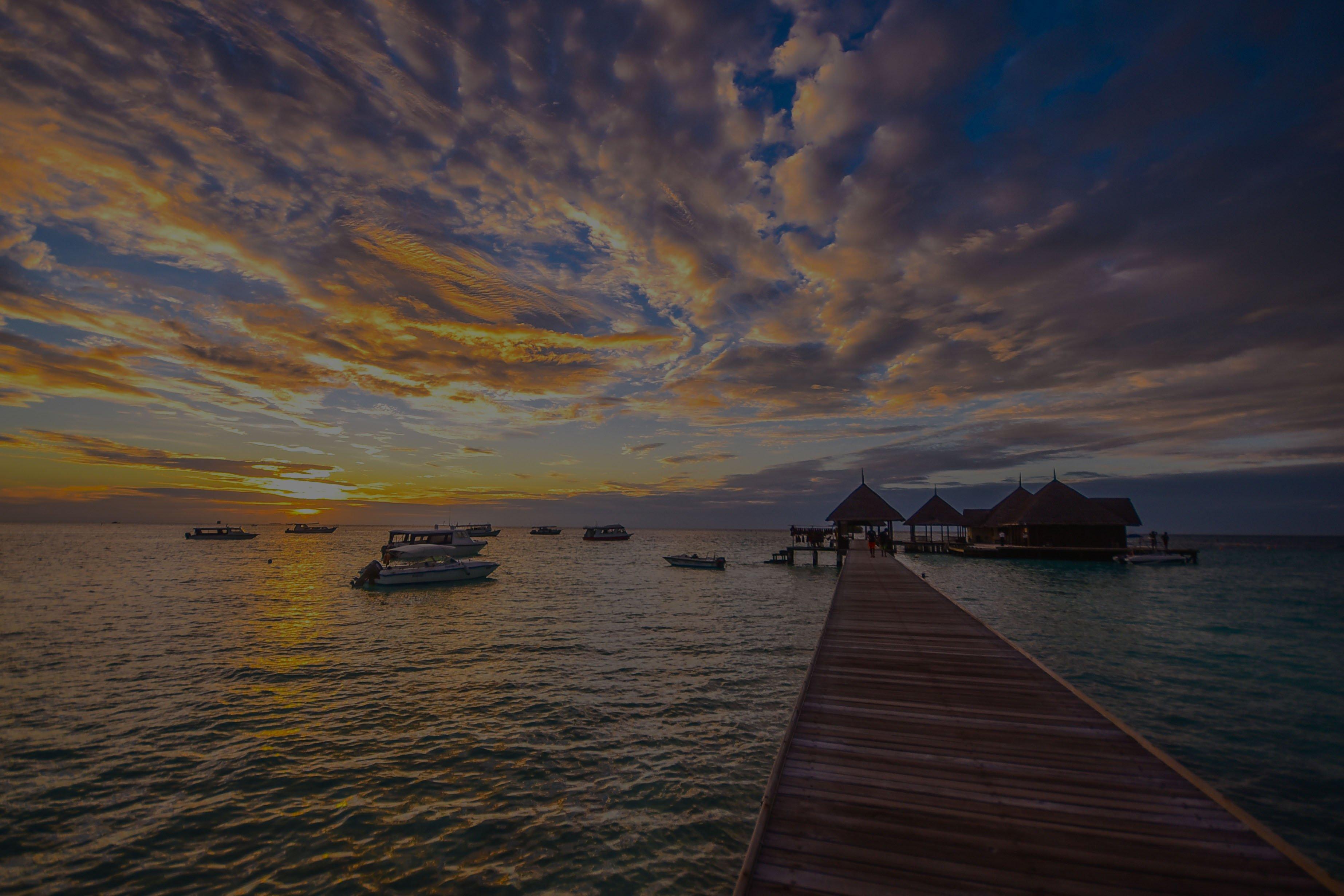 boats-clouds-dawn-1450393